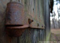 La madera y los metales como materiales de uso tecnico y decorativo