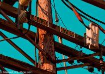 la madera transmite electricidad